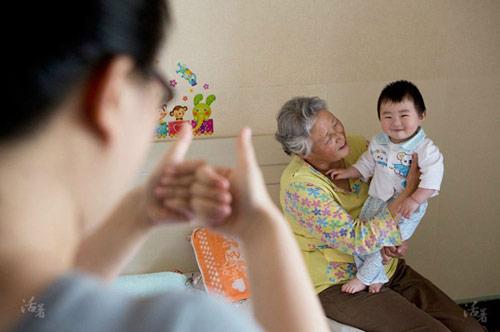 Quan niệm nuôi con cổ hủ của mẹ Việt-1