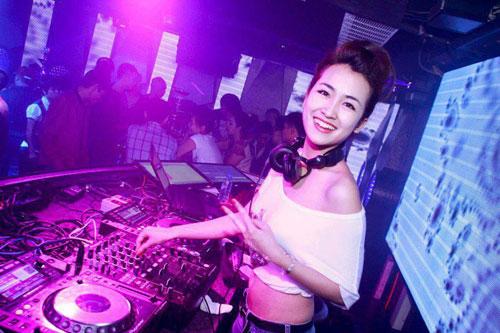 5 nữ DJ nóng bỏng nhất Việt Nam - 12