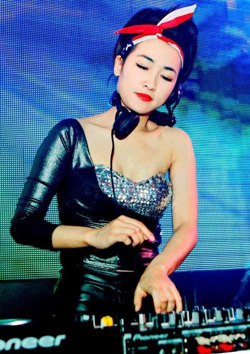 5 nữ DJ nóng bỏng nhất Việt Nam - 15