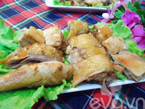 Ăn cơm với gà om xì dầu-5