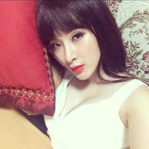 angela phuong trinh lo chiec mui khac la - 1