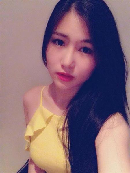 Lê Thúy tình tứ bên bạn trai Việt kiều - 13