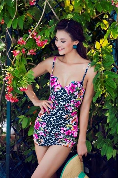 """Hồng Quế """"đốt cháy"""" mùa hè với bikini rực rỡ - 13"""