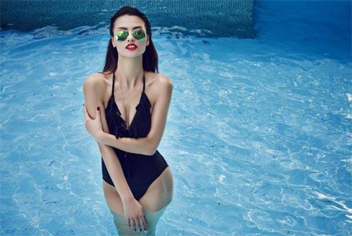 """Hồng Quế """"đốt cháy"""" mùa hè với bikini rực rỡ - 15"""
