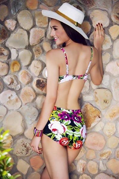 """Hồng Quế """"đốt cháy"""" mùa hè với bikini rực rỡ - 4"""