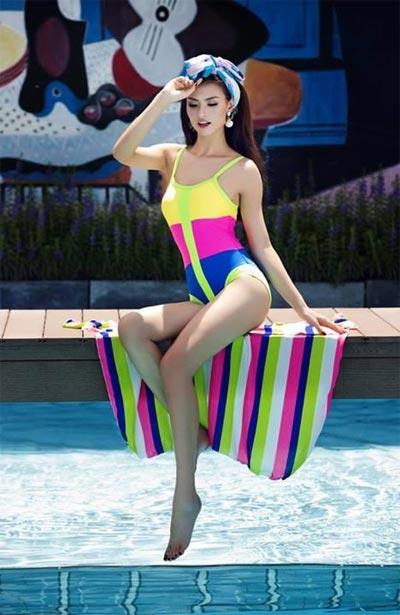 """Hồng Quế """"đốt cháy"""" mùa hè với bikini rực rỡ - 9"""