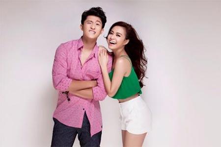 Hoàng Thùy Linh sexy bên bạn trai tin đồn - 1