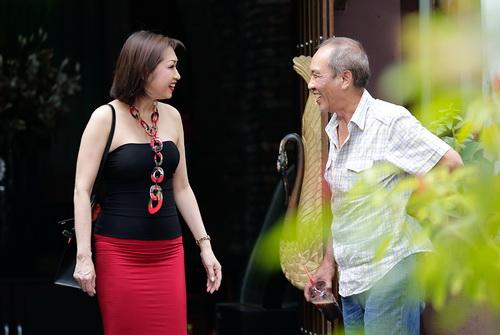 """Vẻ đẹp Ý Lan tuổi 60 khiến """"hoa ghen thua thắm""""-3"""