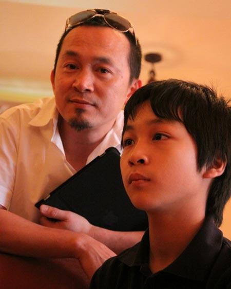 Lộ ảnh Quốc Trung hồi bé giống hệt con gái - 8