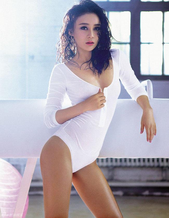 Bất chấp sự phản đối của một số khán giả, Viên San San vẫn là một trong những gương mặt hot nhất của showbiz Hoa ngữ.