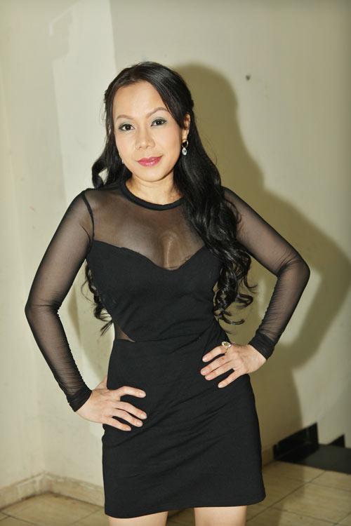 viet huong bat ngo sexy ben hong ngoc - 1