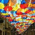 """Nhà đẹp - Rực rỡ phố """"ô bay"""" ở Bồ Đào Nha"""