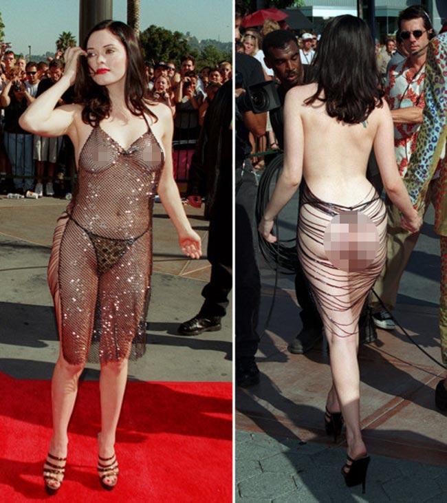 Lịch sử của những bộ đầm khoe cơ thể được bắt nguồn từ thập niên 90 khi nữ ca sĩ Rose McGowan xuất hiện trên thảm đỏ lễ trao giải MTV 1998 với một chiếc váy trần lưng xuyên thấu khoe toàn bộ da thịt trên cơ thể.