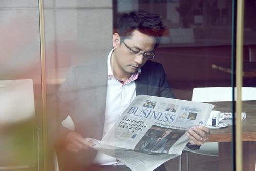 """""""jang dong gun phien ban viet"""" khoe ve lich lam - 6"""