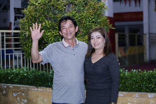hoai linh dua don hoai lam bang xe hop binh thuong - 11