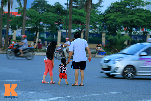 khong san choi, tre tha dieu ngoai duong - 11