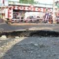 Tin tức - TPHCM: Mặt đường bỗng nhiên phát nổ, nứt toác