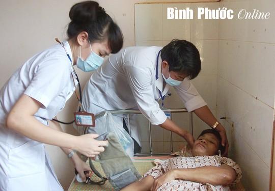 me chong bi con dau hanh ha gay thuong tich - 1