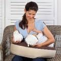Làm mẹ - Mẹo sữa dạt dào của bà mẹ sinh đôi
