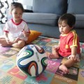 """Làm mẹ - World cup, bố mẹ """"méo mặt"""" chăm con"""