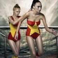 Thời trang - Mẫu ngoại diện áo tắm cờ Việt 'tiếp lửa'  World Cup