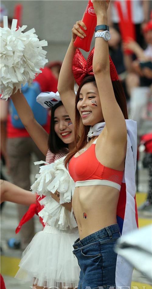 ngat ngay ve dep cua fan nu han quoc tai world cup - 8