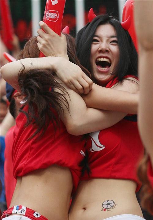 ngat ngay ve dep cua fan nu han quoc tai world cup - 1