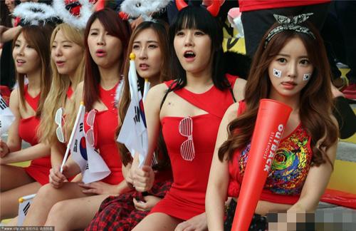ngat ngay ve dep cua fan nu han quoc tai world cup - 18