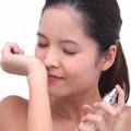 Làm đẹp - Cách khử mùi nước hoa bạn không thích
