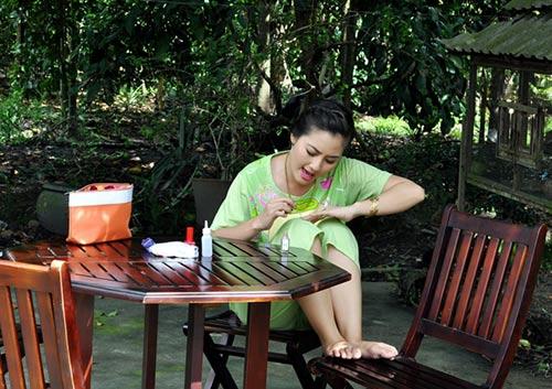 "le phuong ""khac kho"" sau song gio hon nhan - 8"