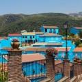 """Nhà đẹp - Du ngoạn ngôi làng """"nhuộm xanh"""" ở Tây Ban Nha"""