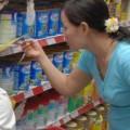 Mua sắm - Giá cả - Trần giá sữa làm giảm cạnh tranh