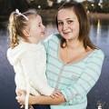 Bà bầu - Nước mắt nữ sinh làm mẹ ở tuổi 14