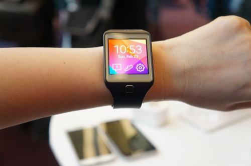 samsung se ra mat smartwatch dau tien chay android wear - 1
