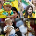 """Làm mẹ - Những em bé siêu """"cute"""" mùa World Cup"""