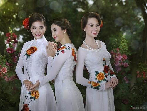 """ntk thuan viet mang ao dai """"du ngoan"""" the gioi - 2"""