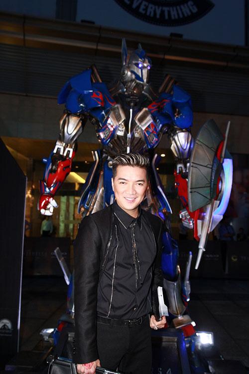 dam vinh hung chao don transformer 4 - 3