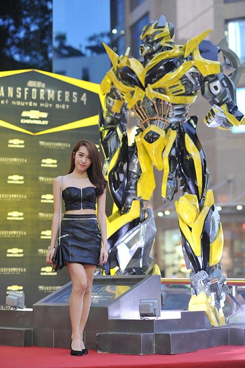 dam vinh hung chao don transformer 4 - 14