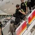 Tin tức - Máy bay chở đội Tây Ban Nha về nước bị sét đánh