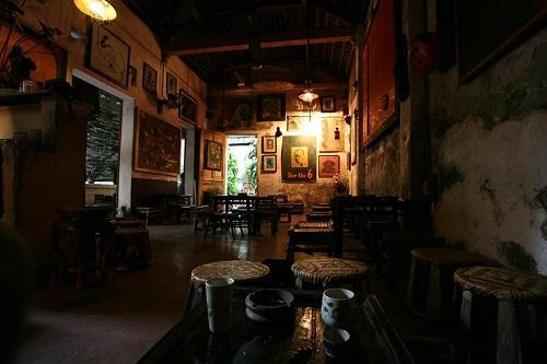 cafe cuoi ngo: khong gian moc mac giua hn - 4