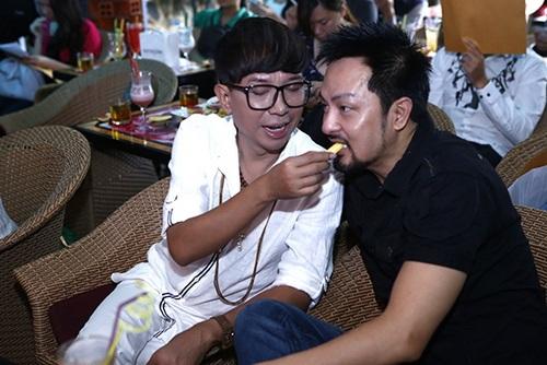 """long nhat dan """"nguoi tinh"""" chuc mung lam vu - 7"""