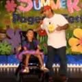 Clip Eva - Cảm động: Bố khiêu vũ cùng con gái tàn tật