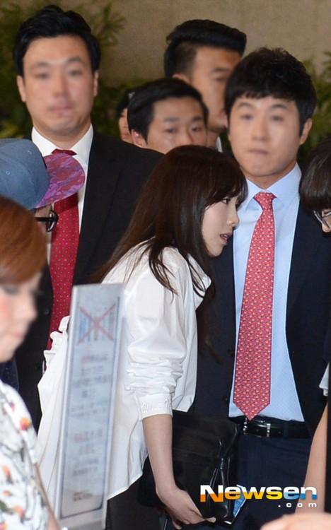 taeyeon (snsd) bat khoc truoc bao scandal - 7