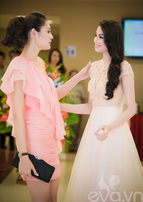hh huong giang kin dao ma van goi cam - 15