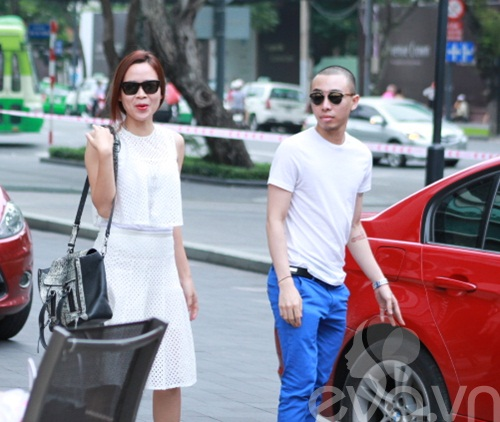 luu huong giang an mac sanh dieu di uong cafe - 3
