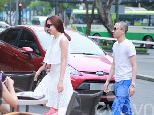 luu huong giang an mac sanh dieu di uong cafe - 4
