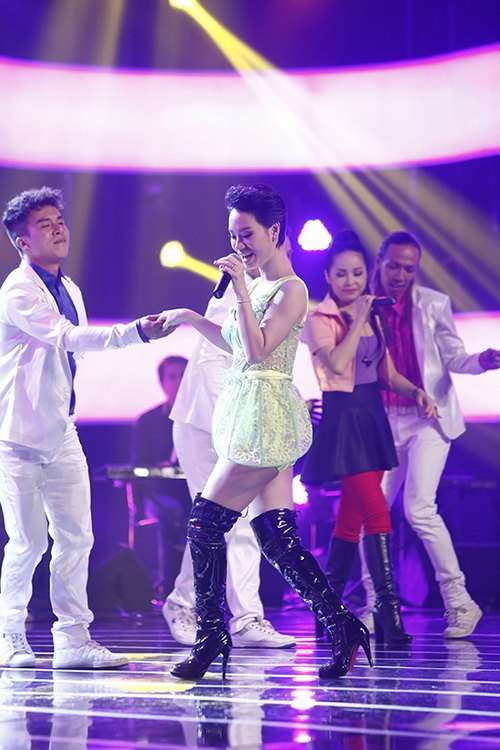 """tra my idol nhay """"yeu duoi"""" vi mang bung bau? - 11"""