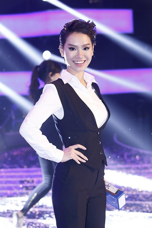 """tra my idol nhay """"yeu duoi"""" vi mang bung bau? - 4"""