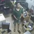Tin tức - Đôi nam nữ trộm ví, iPhone rồi nhét vào quần
