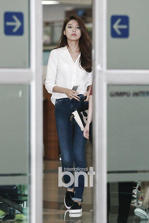 taeyeon (snsd) cuoi tuoi hon sau scandal - 10
